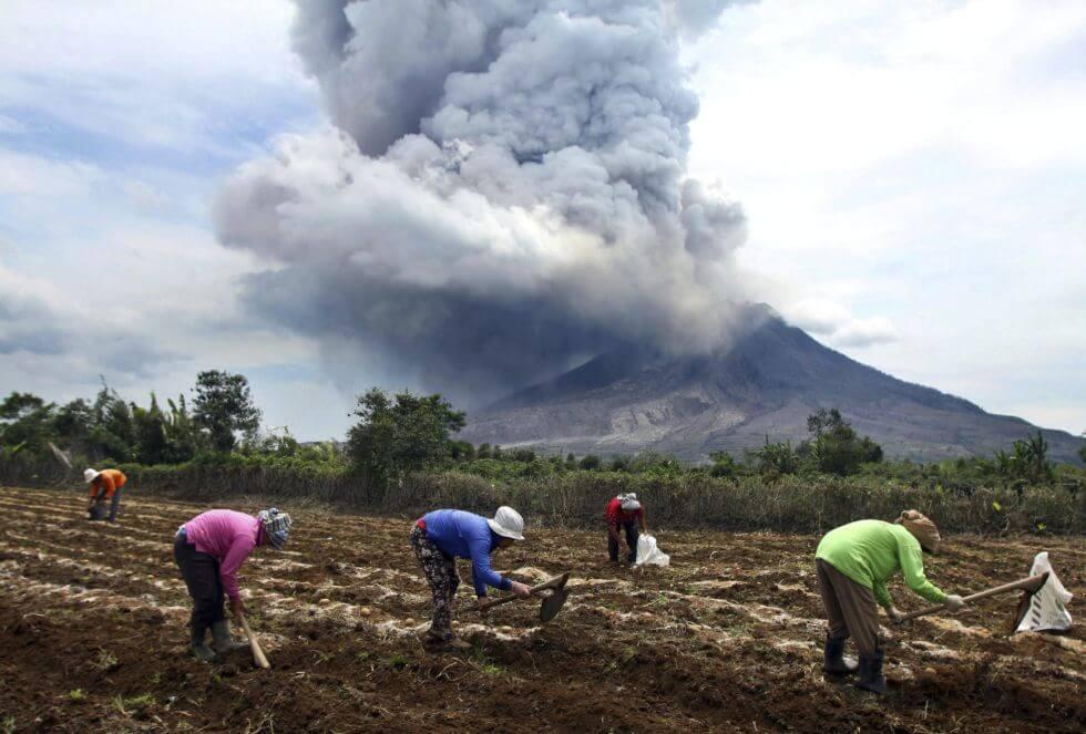 Volcán Ubinas: minera apoya a damnificados y pobladores
