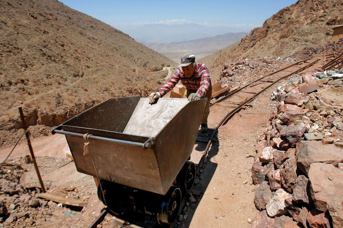 Chile y Minería: apoyan a microempresas con capacitación y equipos
