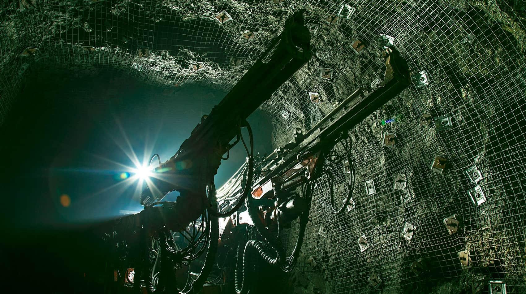 Diplomado Internacional Geomecánica Minera Subterránea